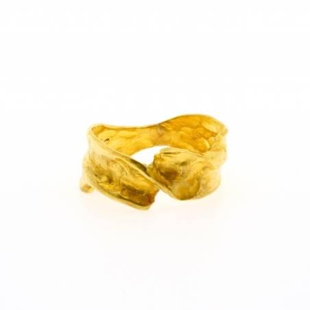 Gold hugging ring